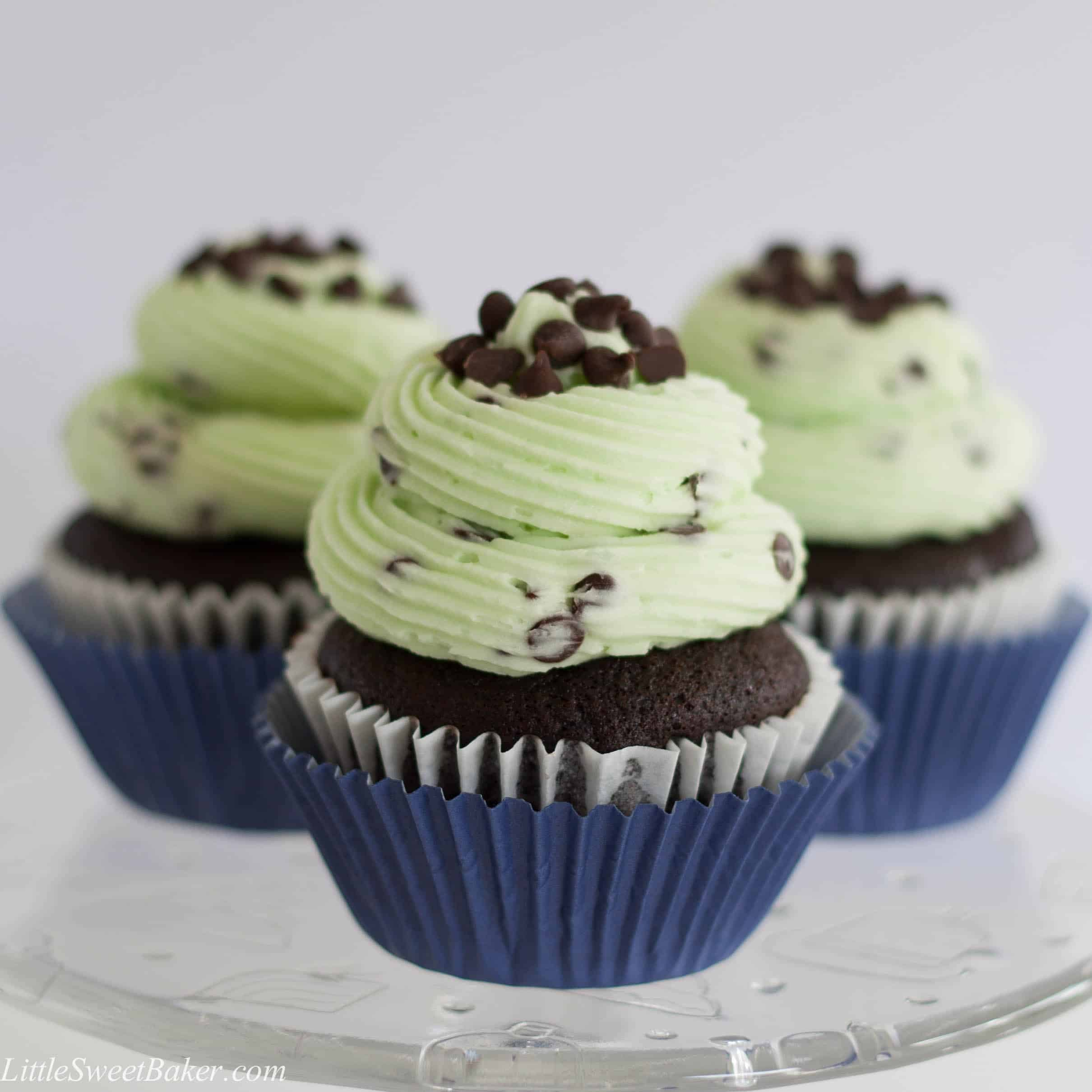 CHOCOLATE MINT CHOCOLATE CHIP CUPCAKES. Moist and fluffy chocolate cupcake with a mint chocolate chip buttercream. Taste like the popular ice cream flavor.