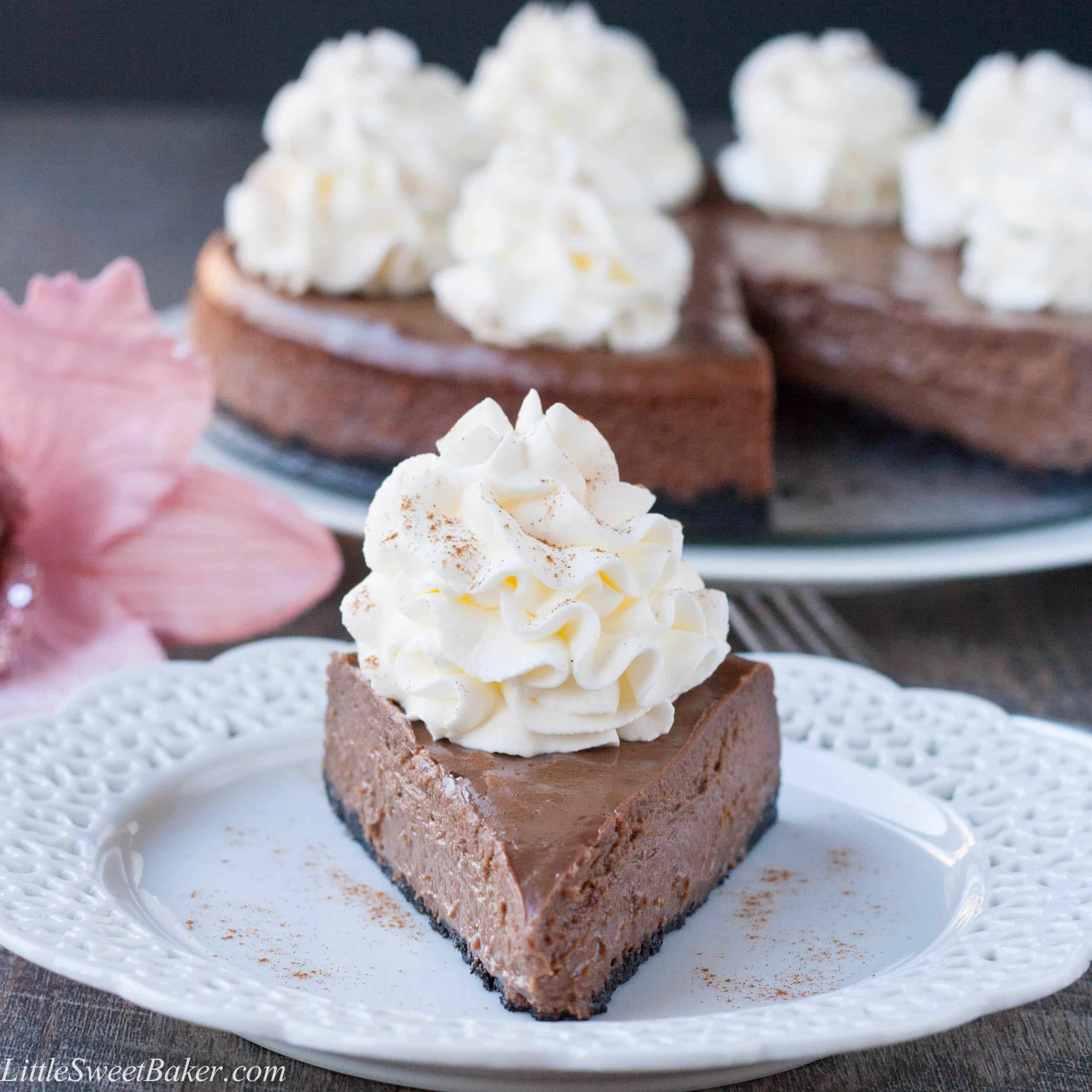 CHOCOLATE CINNAMON CHEESECAKE. Super easy to make, only 6 ingreds ...